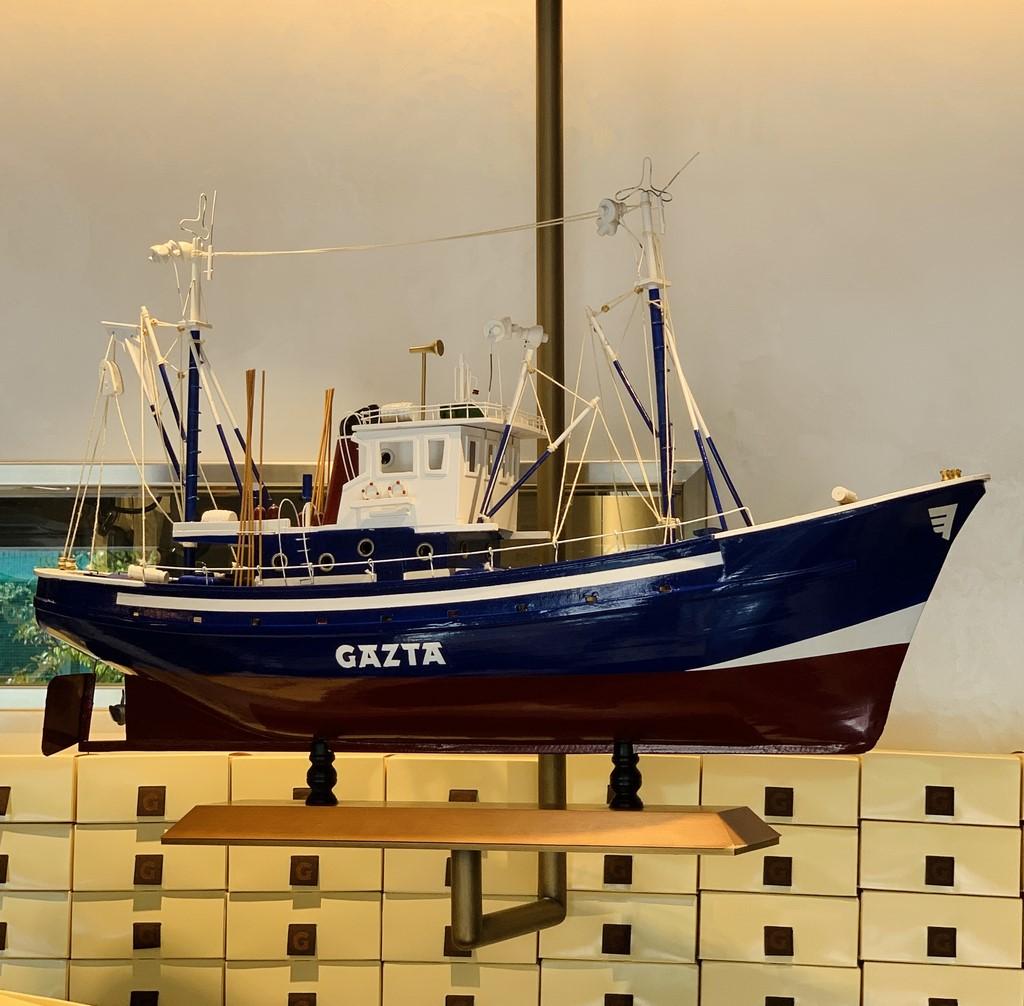 お店のイメージの船